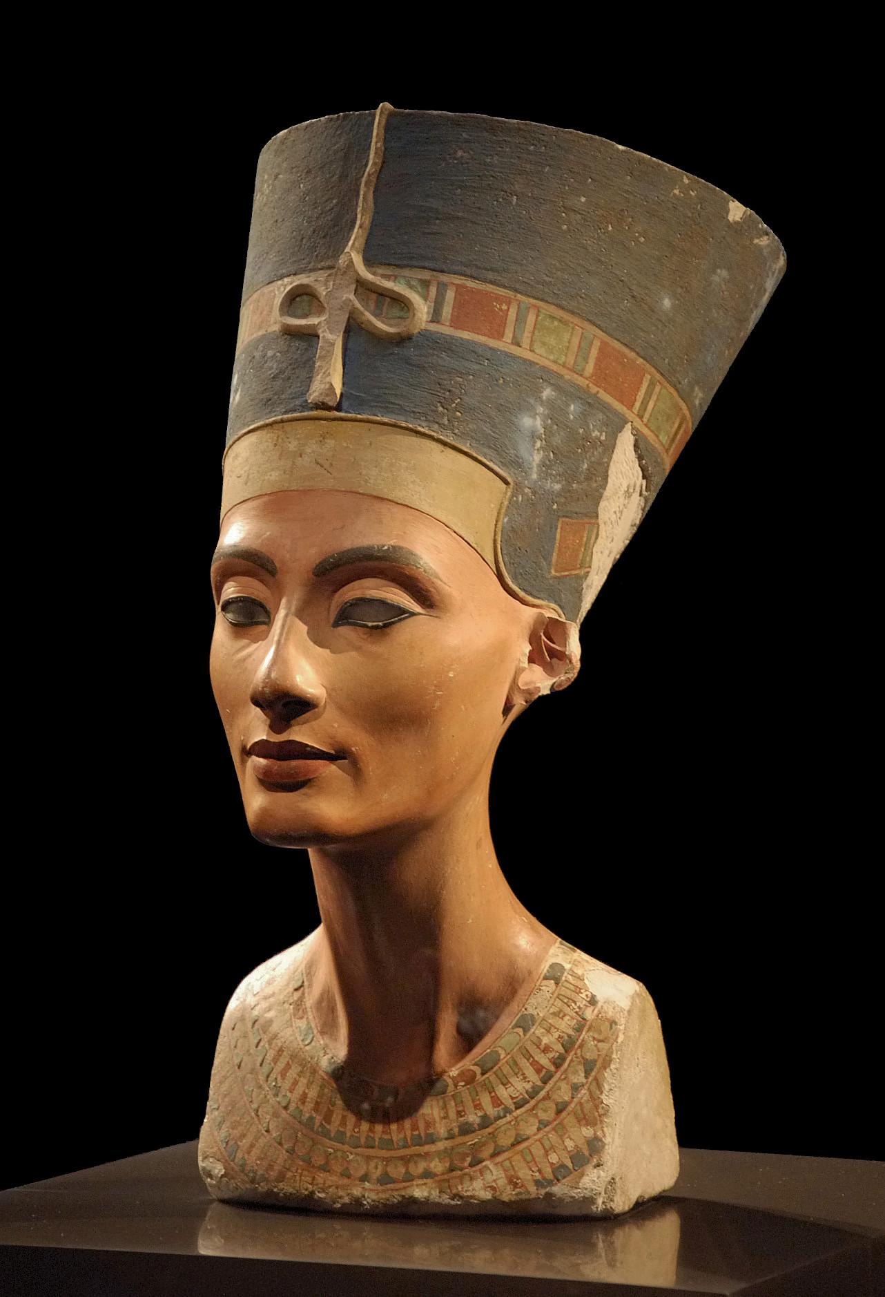 Figure 8, bust of Nefertiti, Neues Museum, Berlin (CC-0)